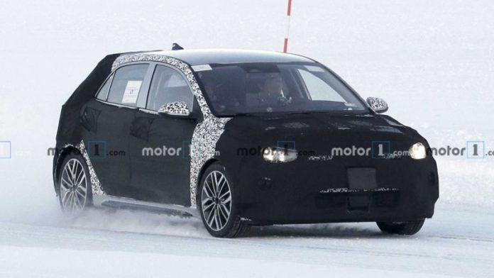 Оновлений Kia Rio помічений на зимових тестах в Швеції