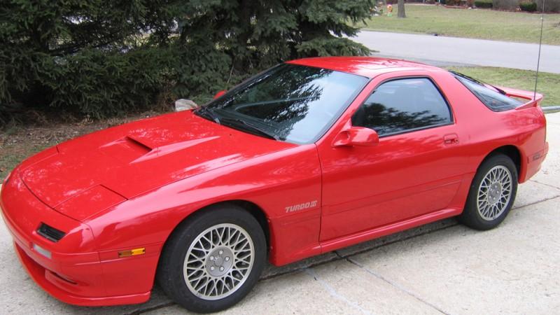 Mazda RX-7 1989 року випуску продали на аукціоні за рекордну суму